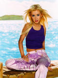 http://img107.imagevenue.com/loc190/th_83138_Christina_Aguilera_Kenneth_Willardt_003.jpg