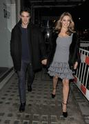 Келли Брук, фото 4553. Kelly Brook Leaving her Hotel - London - 22/02/12, foto 4553