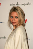 th_722Celebrity_City_Olsens_039_104.jpg