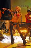 http://img107.imagevenue.com/loc24/th_92438_194f2_Christina_Aguilera_Dirrty_Performance_cduk_10_31_2002_22.jpg
