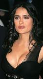 Salma Hayek She has good round boobilicious boobs ...mmmm ...... Foto 126 (Сэльма Хаек Она имеет хороший круглый boobilicious сиськи ... мммм ...... Фото 126)