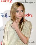 th_f51_celebrity_city_Ashley__Mary_Kate_18.JPG