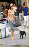 Famke Janssen - Walking in NYC 18/07/06