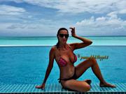 [IMG]http://img107.imagevenue.com/loc453/th_177526223_tduid300077_Joanna_Golabek_vacanze_2015_0015_122_453lo.jpg[/IMG]