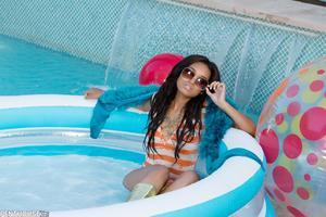 Noelle Monique - So Hot She´s Cool [Zip]l5jcqiljqk.jpg
