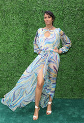 Padma Lakshmi - Clicquot Carnaval in Miami Beach (2/7/15) x8 UHQ
